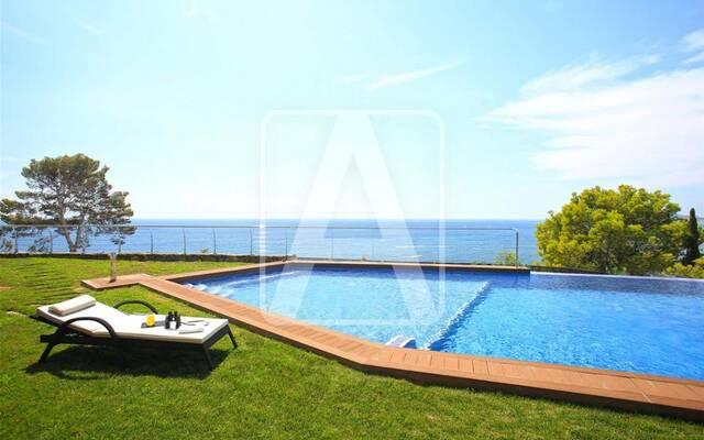 Villa, 6 bedrooms, 610 m²