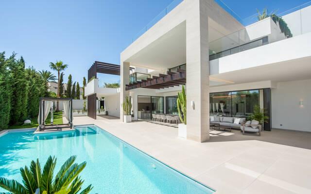 Villa, 6 chambres, 1360 m²