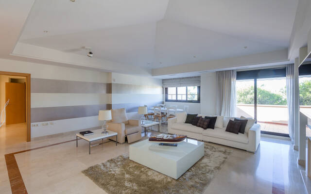 Penthouse, 4 bedrooms, 695 m²