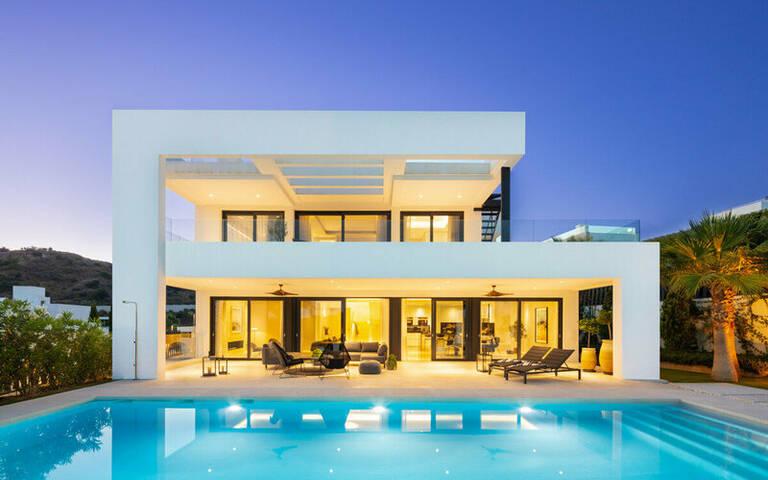 Haus zum Verkauf in Marbella - Puerto Banús
